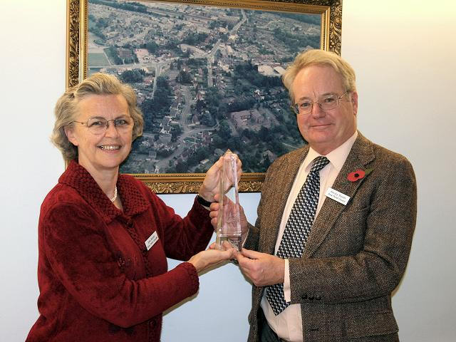 Jane Bonnin and Antony Hunter with the award